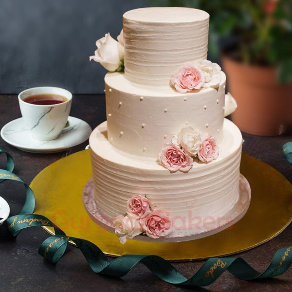 an ode to the traditional wedding cake
