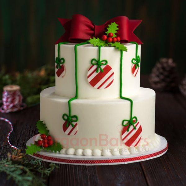 beautiful christmas ornament cake