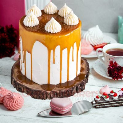 creamy dripping effect birthday cake