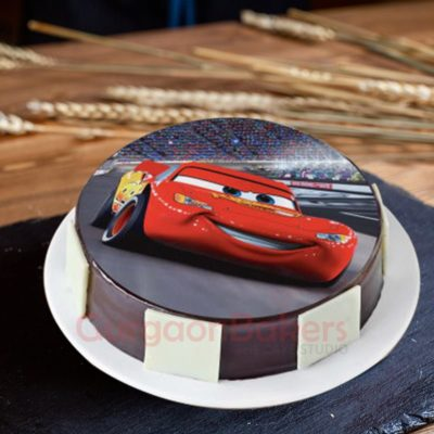 dashing lightning mcqueen cars cake