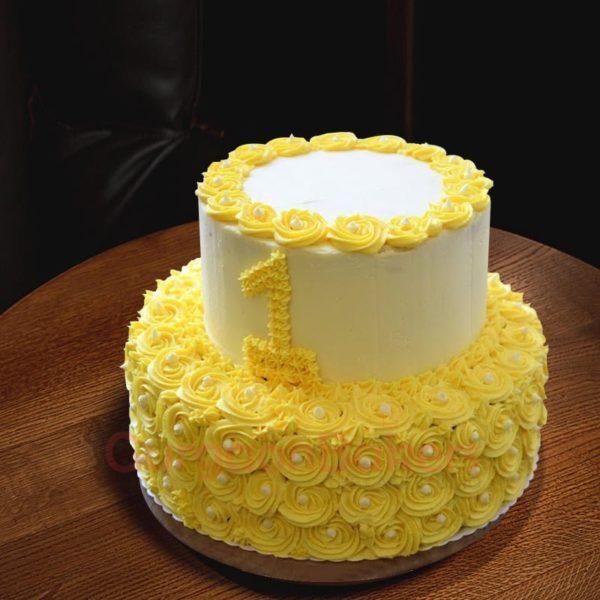 fancy 2 tier vanilla cake