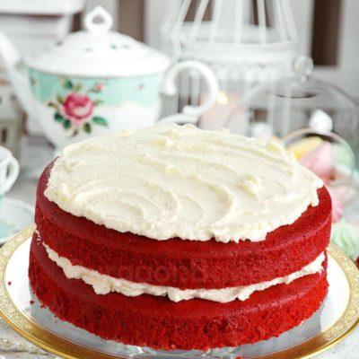 red bun red velvet cake