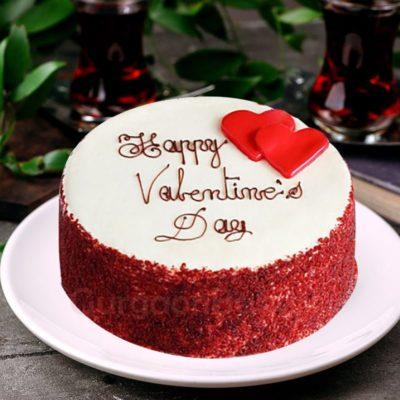 red velvet vs white chocolate heart cake