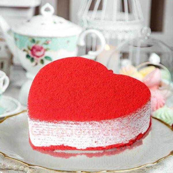 romantic red velvet heart cake