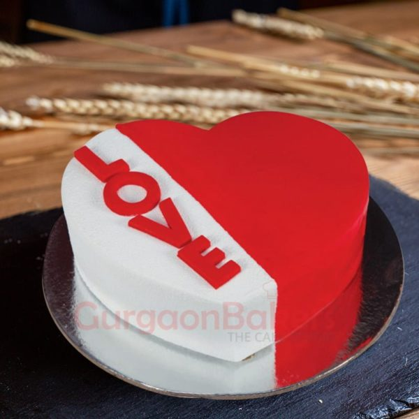sparkling love with anniversary cake