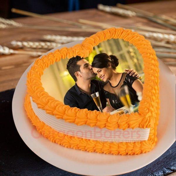 sweet heart anniversary cake