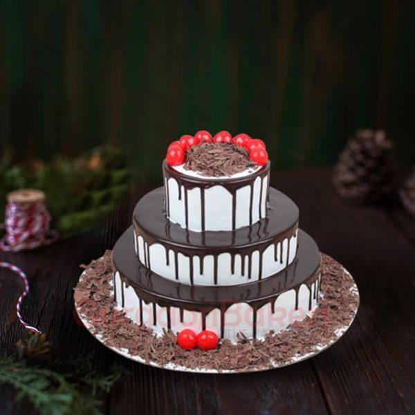 three tier chocolaty cake