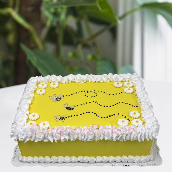 buzzy bee baby cake