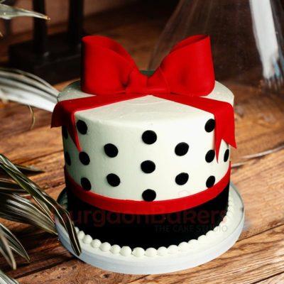 black-and-white-retro-cake
