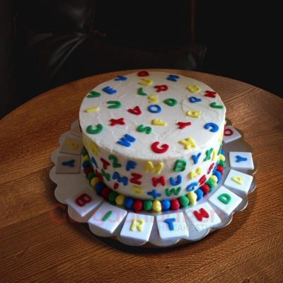 colourful-alphabets-cake