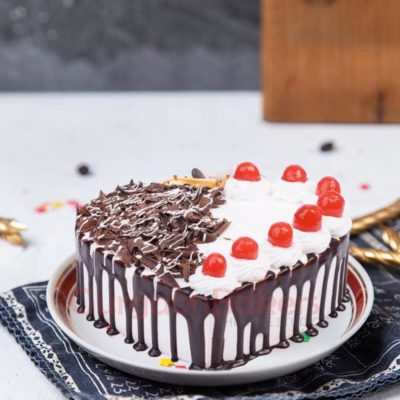 dazzling-heart-shaped-black-forest-treat