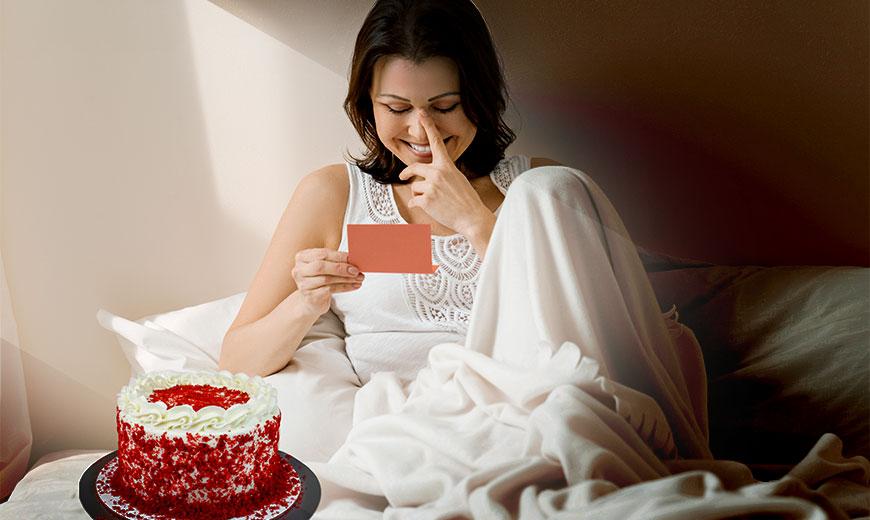 midnight cake delivery service in delhi