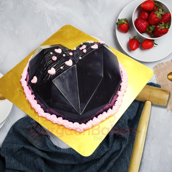 Smash the heart Pinata Cake