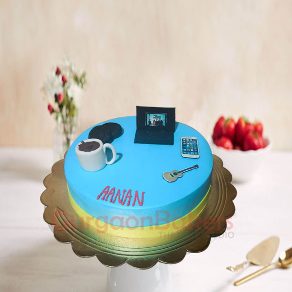 Gadget Lovers Cake Side View