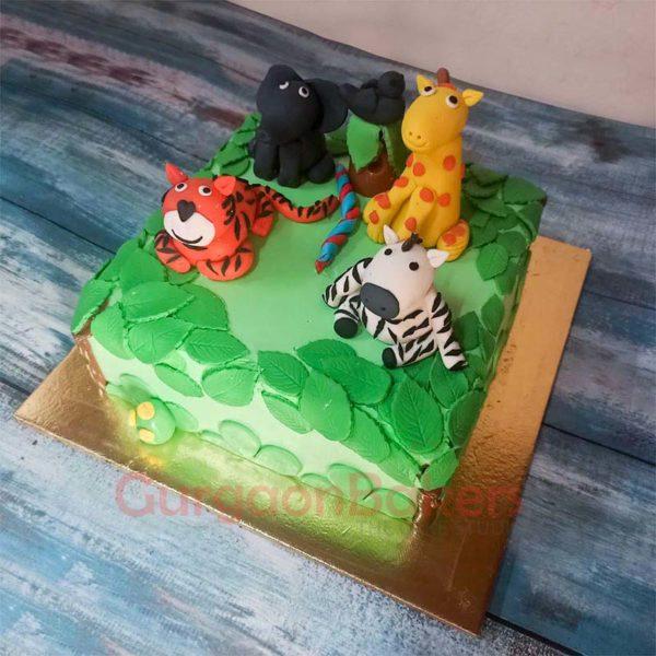 animals-paradise-cake-side